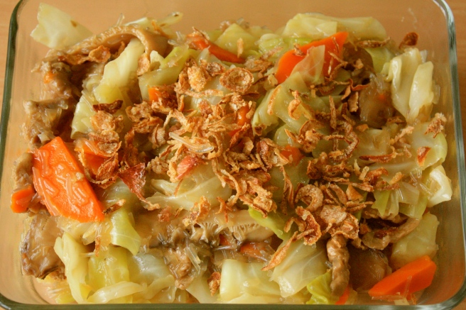 Cabbage with mock abalone and mushrooms